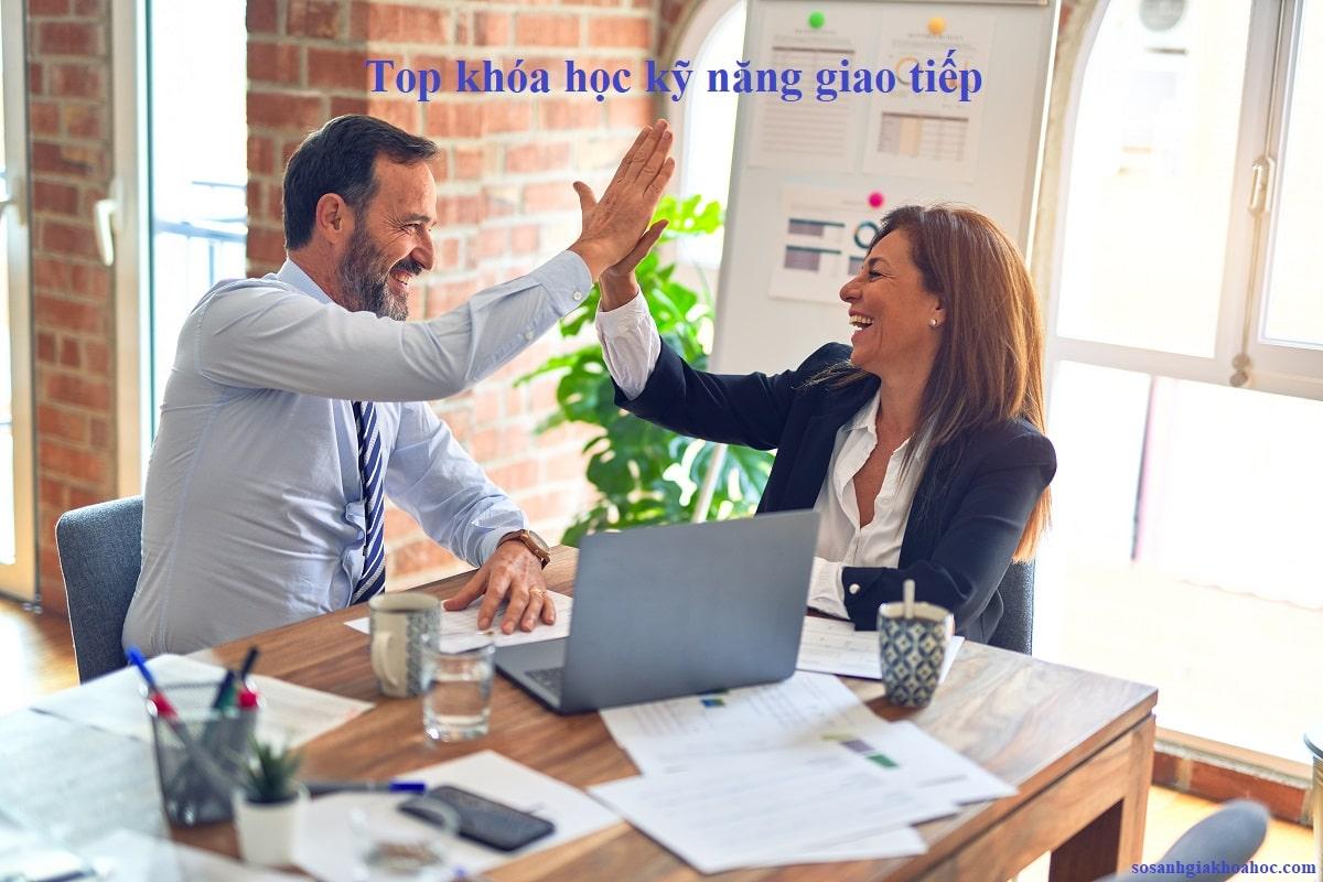 Top 10 khóa học Kỹ năng giao tiếp ứng xử khó bỏ lỡ {Year}